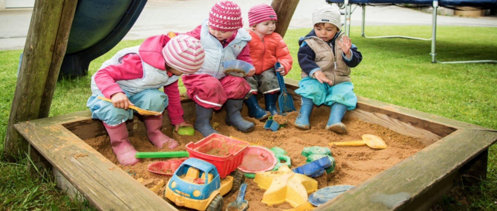 guthof-bauernhof-kinderspielplatz